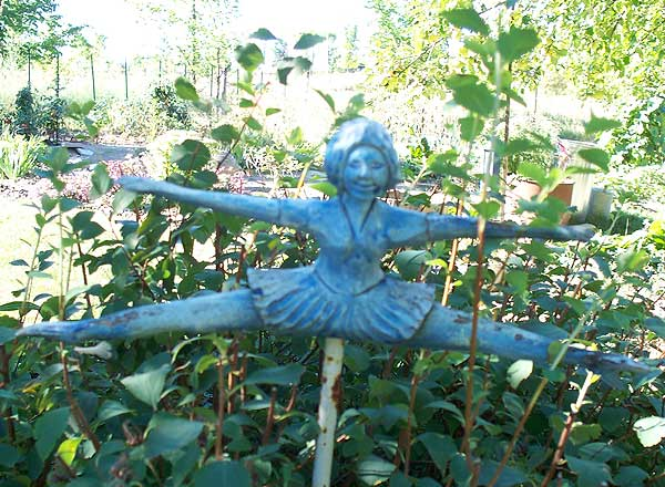 Garden decor - carving of a ballerina
